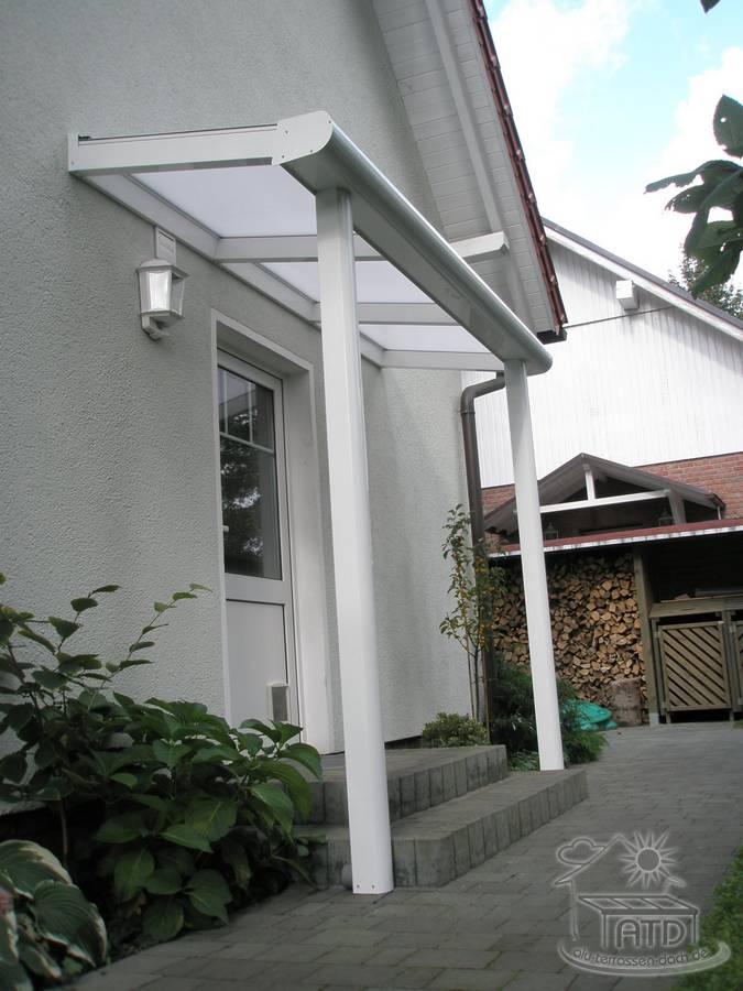 die kleine terrassen berdachung f r kellereing nge und hauseing nge ihre terrasse von atd. Black Bedroom Furniture Sets. Home Design Ideas